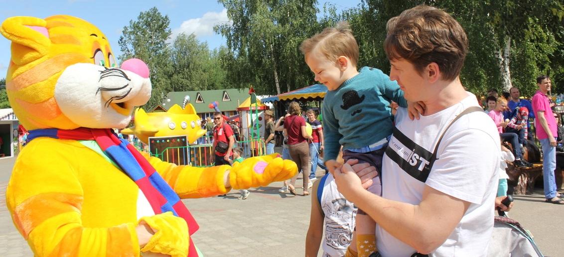 КРОХА-Кот от имени всей сети медицинских клиник «Тонус» поздравил нижегородский зоопарк Лимпопо с Днем рождения!